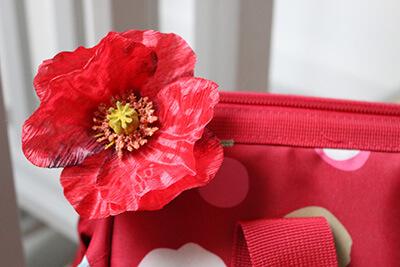 Détail fleur du sac de Plume